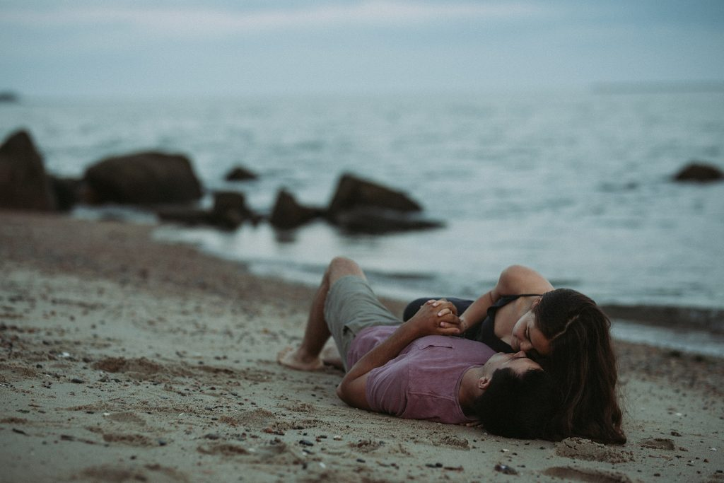 connecticut beach engagement photography